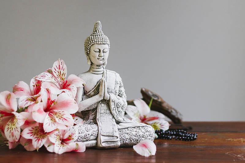 Fotomural - Buda con flores